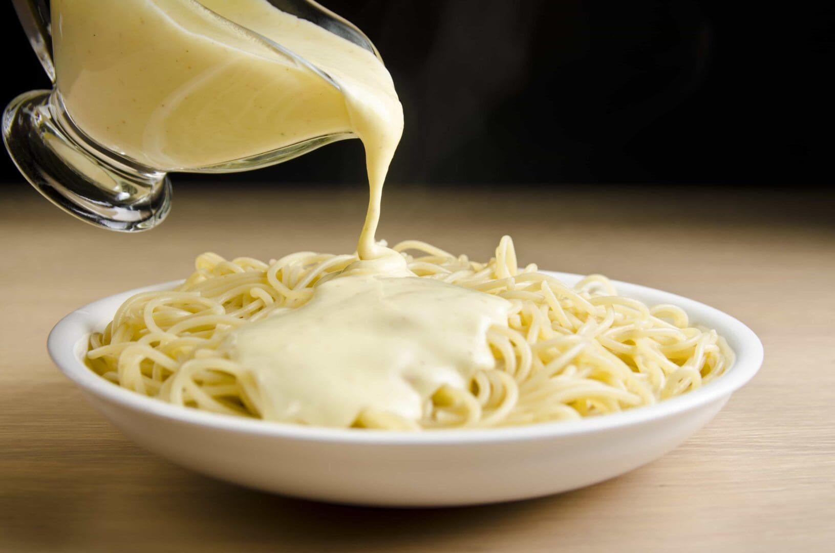 Feinste Drei-Käse-Sauce! (shutterstock.com / Tomo Bagaric)